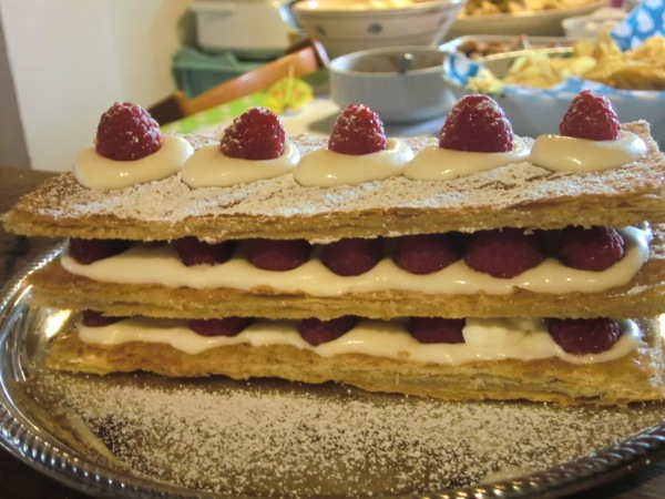 mille feuille raspberry